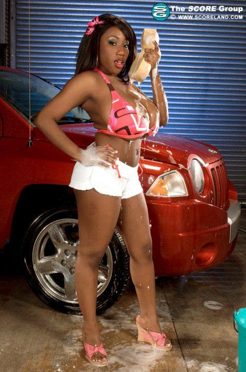 PHOTO | 00 82 480x723 - Janet Bikini Car Wash