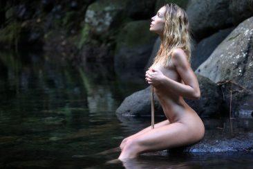 PHOTO | 12 57 366x244 - Amber River Nymph