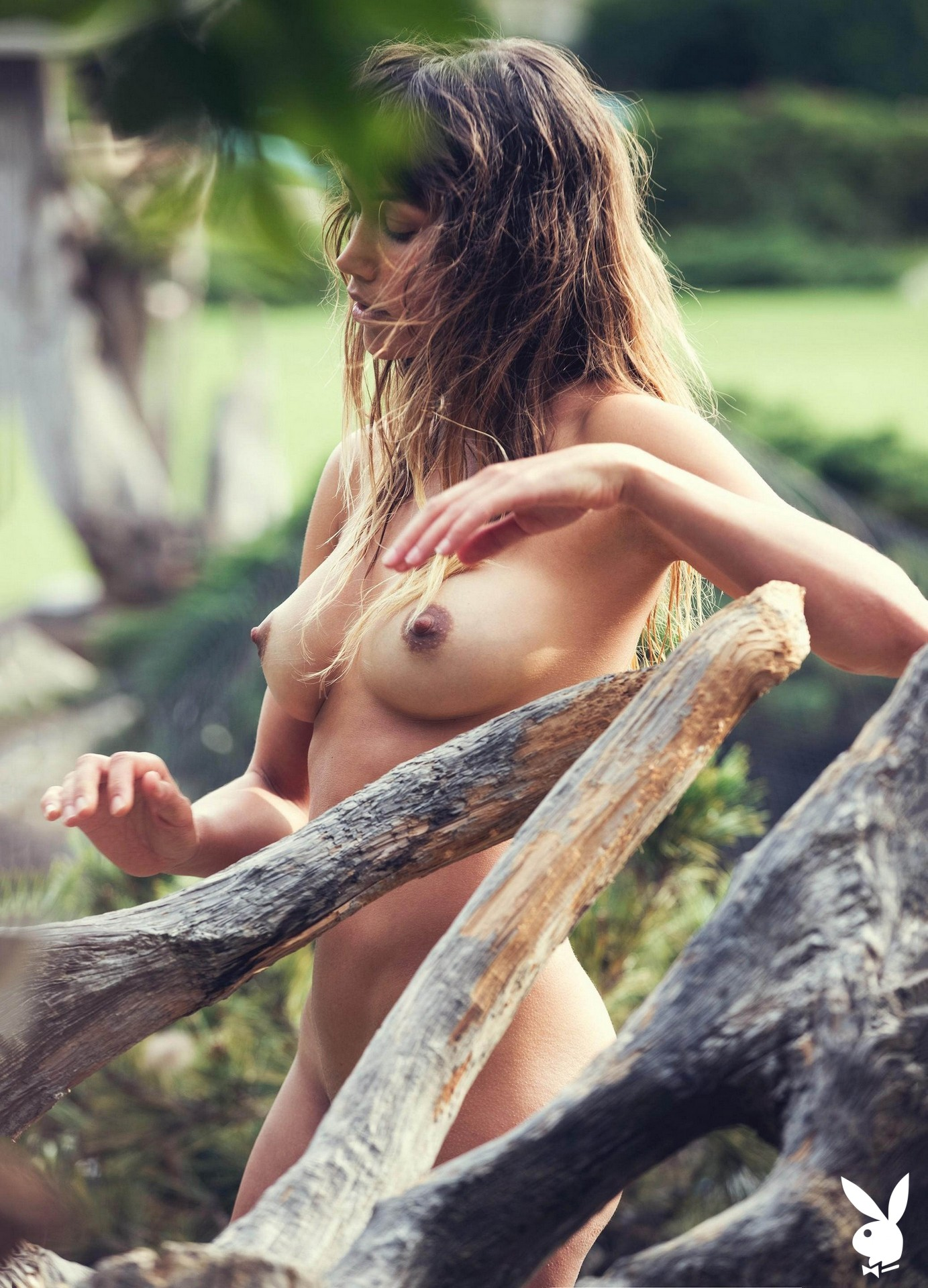 PHOTO   00 25 - Playful Babe With Puffy Nipples