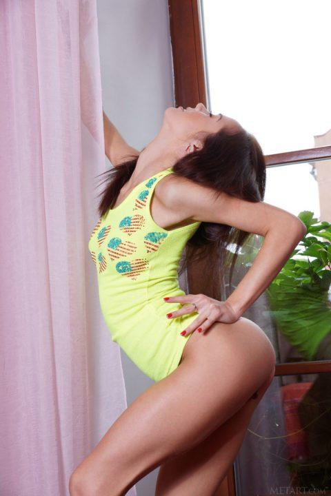 PHOTO   00 26 480x720 - Ballet Stretch