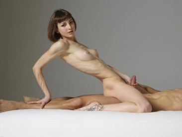 PHOTO | 01 63 366x275 - Sexy Model Flora Sucking Cock