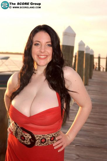 PHOTO | 02 34 366x551 - Angela White In A Red Dress At The Pier