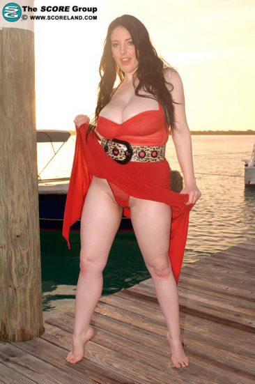 PHOTO | 03 34 366x551 - Angela White In A Red Dress At The Pier