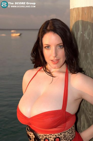 PHOTO | 05 34 366x551 - Angela White In A Red Dress At The Pier
