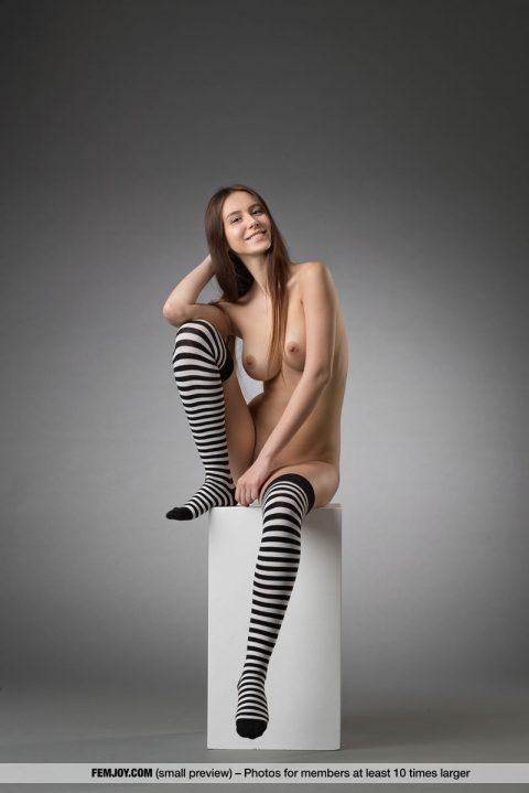 PHOTO   00 36 480x719 - Sexy Alisa I