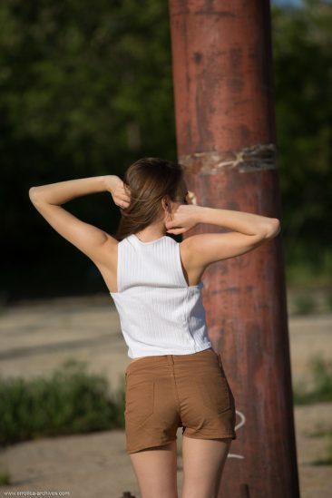 PHOTO | 01 31 366x549 - Gracie Teasing