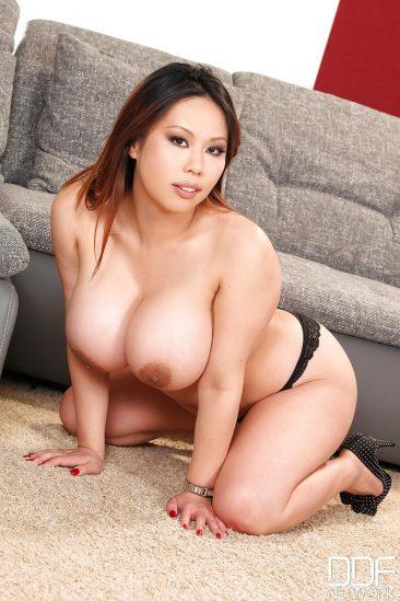 PHOTO | 07 51 366x549 - Tigerr Benson Huge Tits