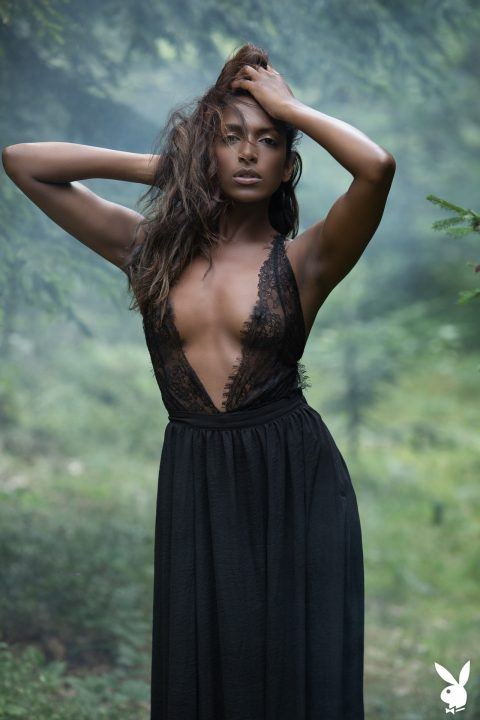 PHOTO | 00 106 480x720 - Nirmala Fernandes Showing Her Ebony Vagina
