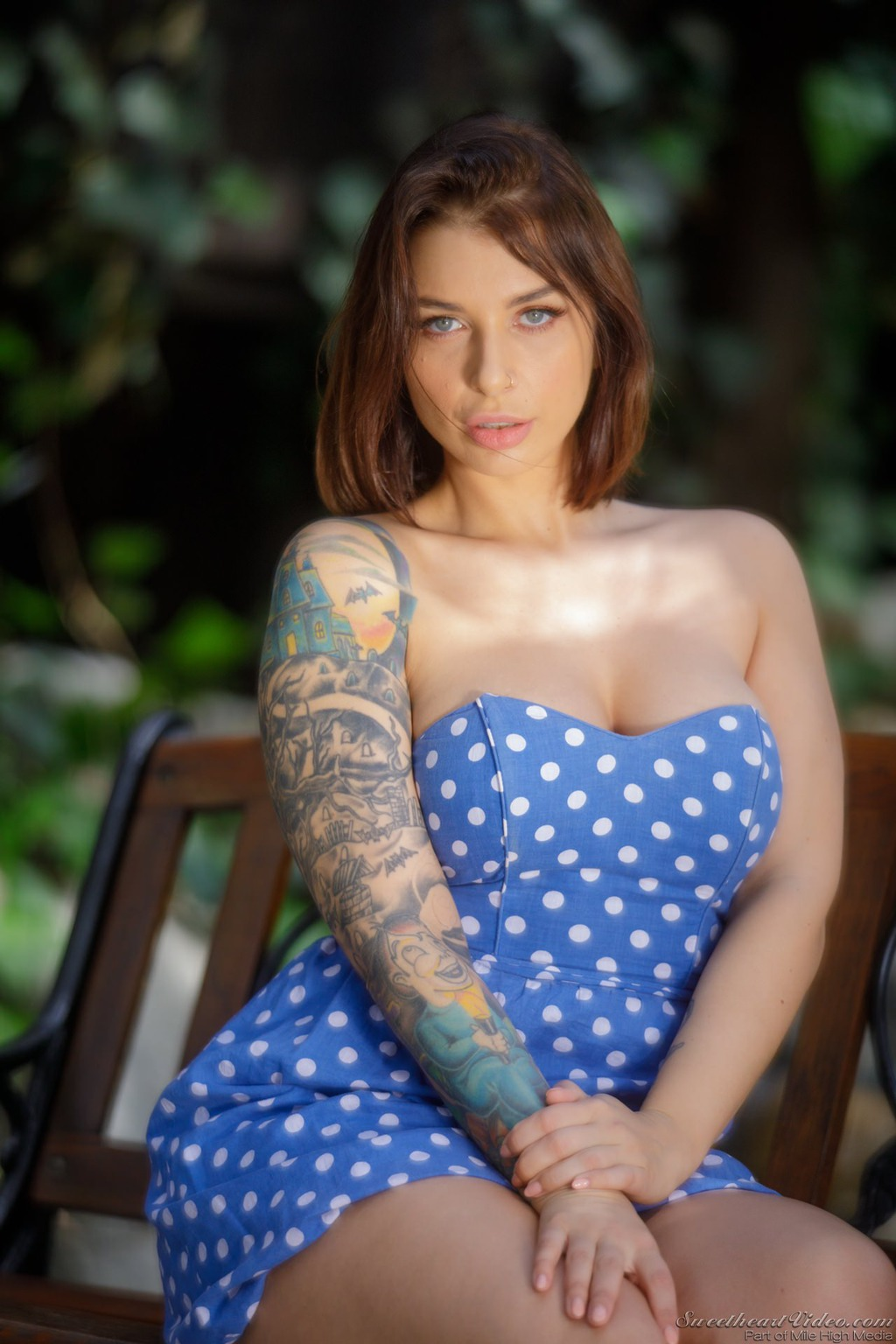 Ivy Lebelle Lovely Strip   Boobs Photo