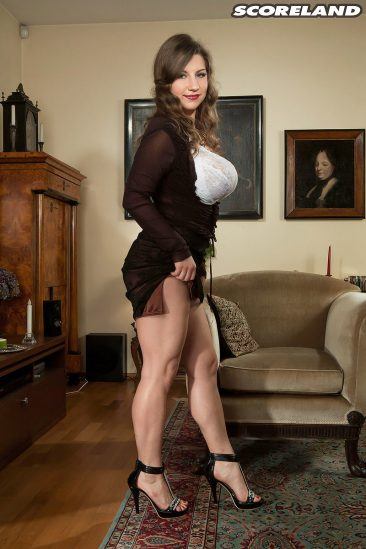 PHOTO | 08 36 366x549 - Curvy Samantha Lily In High Heels