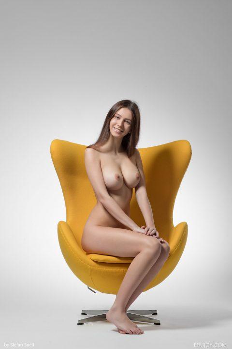 PHOTO   00 248 480x720 - Big Titted Alisa I - Yellow Armchair