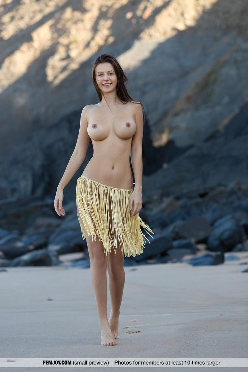 PHOTO | 00 269 - Alisa Amore Naked
