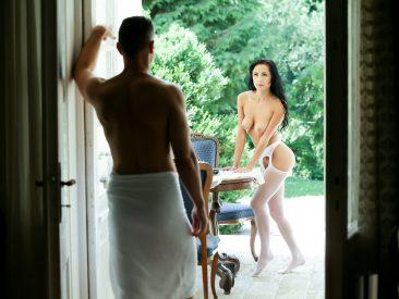 PHOTO   00 286 366x275 - Nicole Love Meaty Pussy Fucking