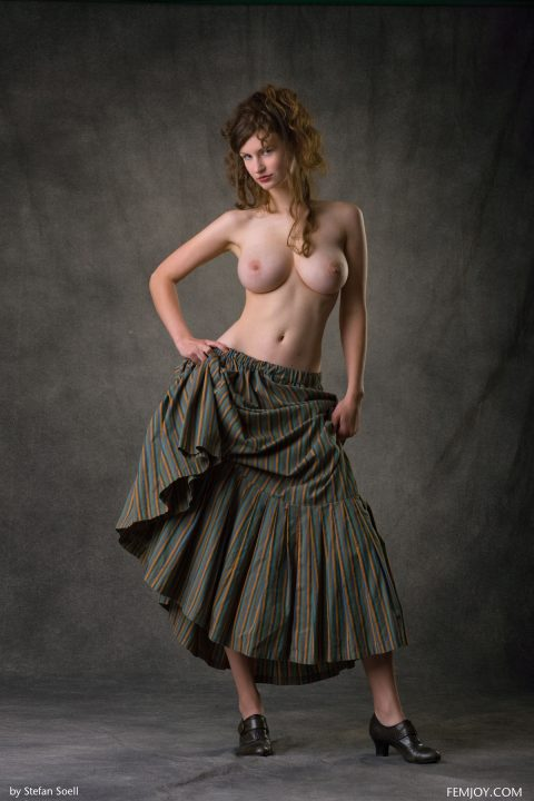 PHOTO   00 307 480x720 - Big Titted Beauty Susann Baroque