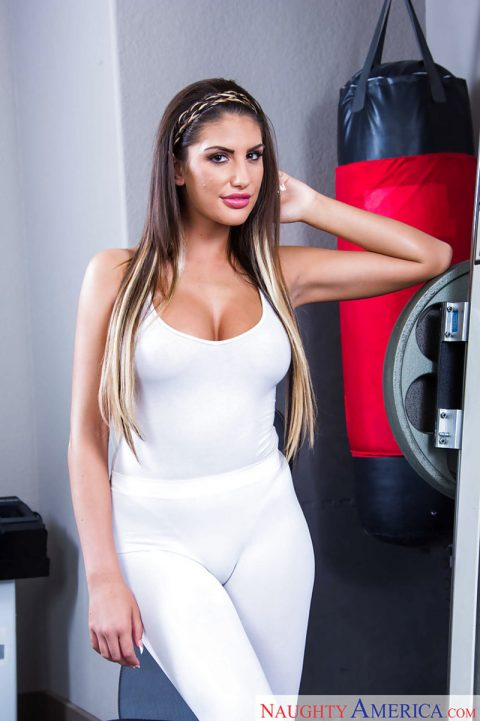 PHOTO | 00 426 480x721 - August Ames