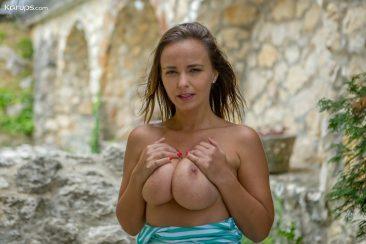 PHOTO | 06 122 366x244 - Big Natural Boobs Milf Stella Jones