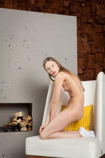 PHOTO | 07 225 366x549 - Beautiful blonde Nimfa eats her banana