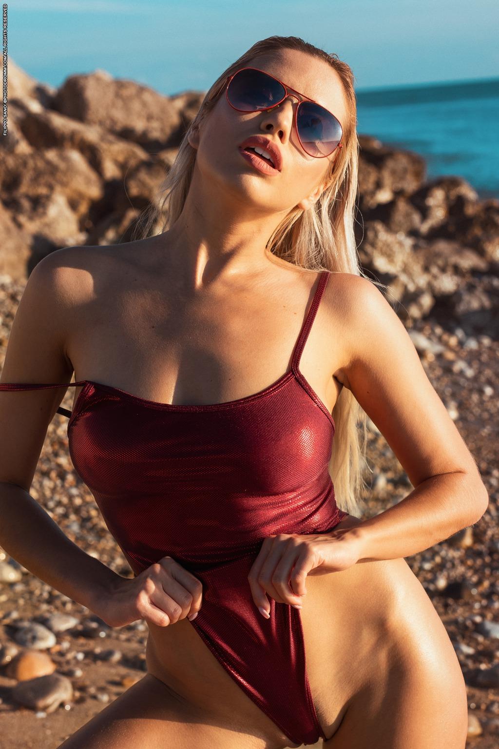 PHOTO | Margot 00 - Margot In Splash