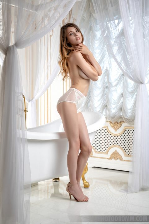 PHOTO | Mila Azul   White Star 00 480x720 - Mila Azul - White Star