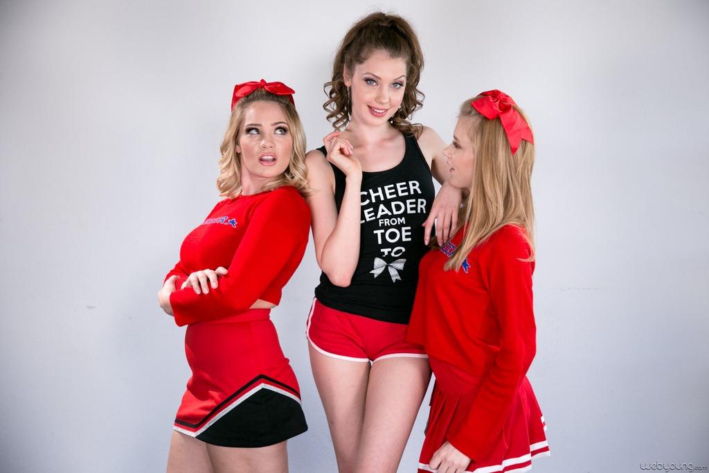 PHOTO | 00 120 - Free Threesome Lesbian Porn With Elena Koshka