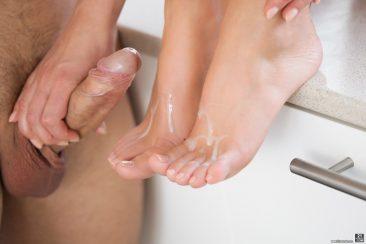 PHOTO | Feet Lover 14 366x244 - Feet Lover