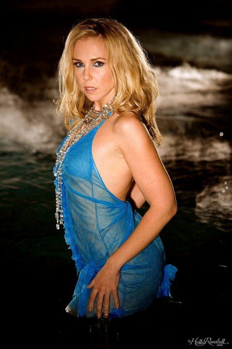 PHOTO | 00 122 480x721 - Charming Wet Model Holly Randall