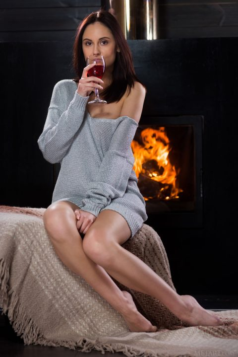 PHOTO | 00 222 480x719 - Sade Mare sits drinking wine wearing a grey wool dress