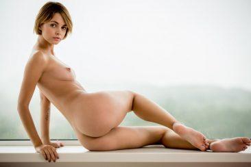 PHOTO   02 61 366x244 - Barefoot Babes Vol 3