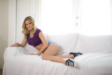 PHOTO | 02 77 366x244 - Hot Babe Jessa Rhodes