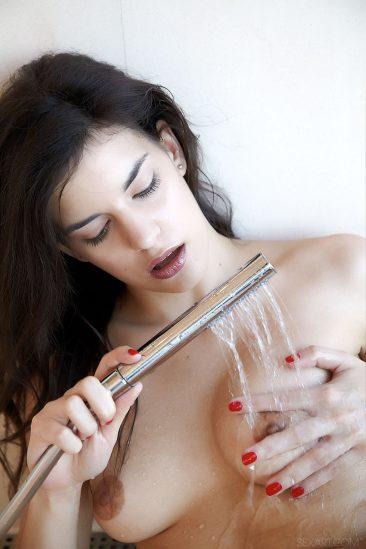 PHOTO | 12 71 366x549 - Candice Luka Masturbating With Shower