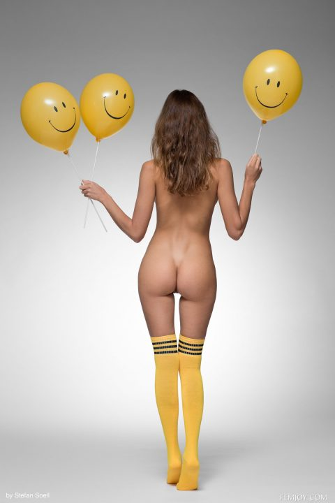 PHOTO   00 322 480x720 - Katya Clover Smile and Balloons