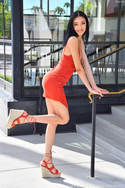 PHOTO | 00 63 480x722 - Scarlet Super Sexy In Red