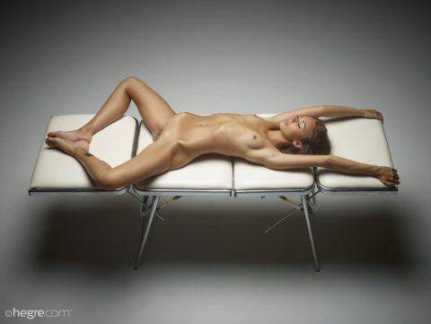 PHOTO | 00 88 480x361 - Pierced Beauty Karina - Pussy Plank