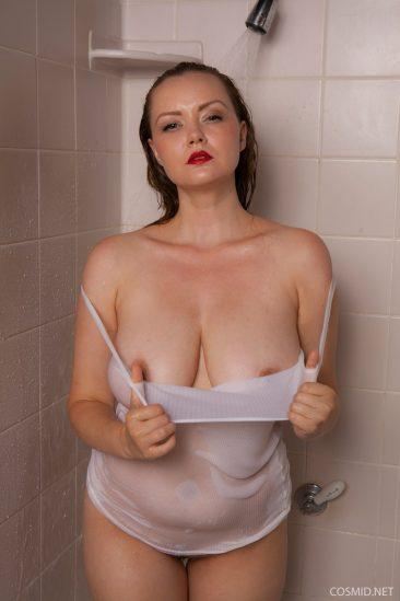 PHOTO | 05 223 366x549 - Natasha Dedov Shower