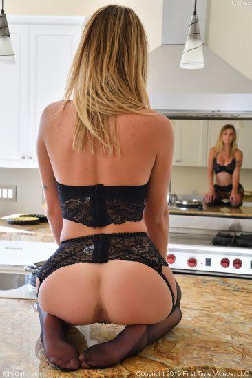 PHOTO | 05 267 366x550 - Sexy Black Lingerie