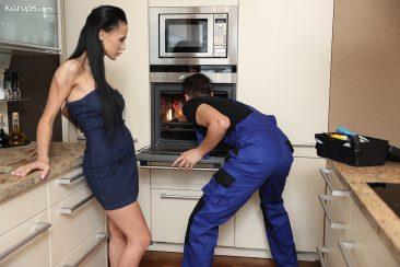 PHOTO | 05 38 366x244 - Nicole Love - Creampie in her Oven