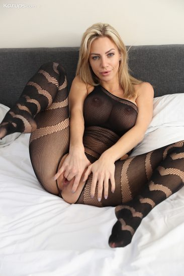PHOTO   06 188 366x549 - Nathaly Cherie in Body Stocking