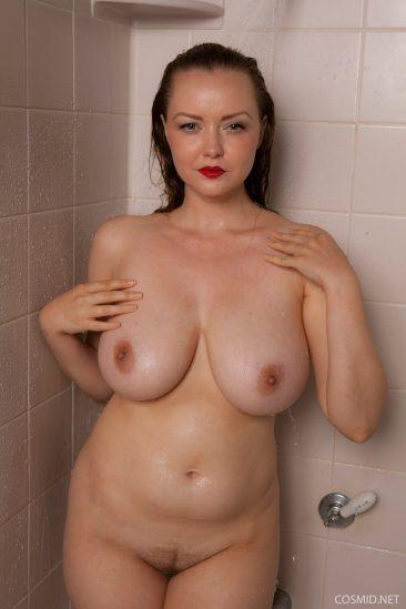 PHOTO | 07 223 366x549 - Natasha Dedov Shower