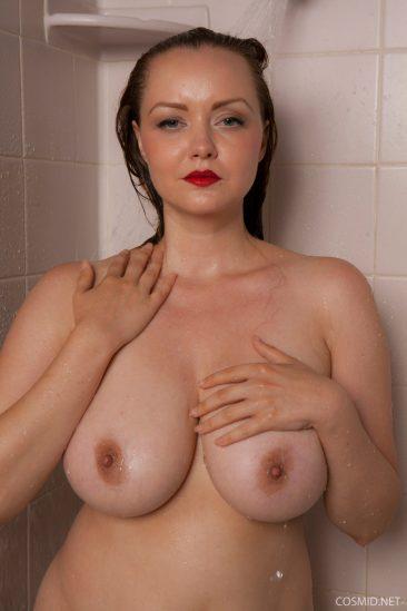 PHOTO | 08 223 366x549 - Natasha Dedov Shower
