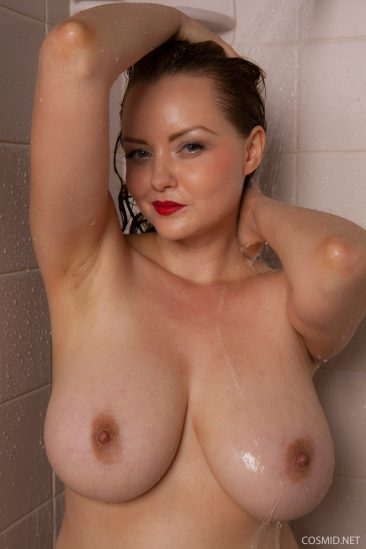 PHOTO | 09 223 366x549 - Natasha Dedov Shower