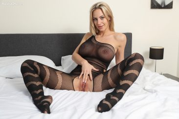 PHOTO   12 191 366x244 - Nathaly Cherie in Body Stocking