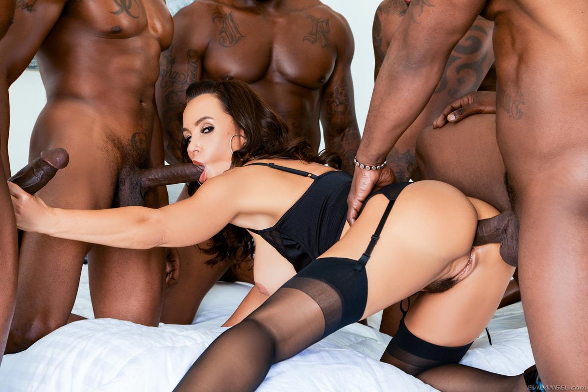 Supermilf lisa ann with black guy and black female