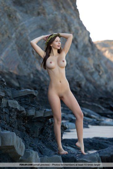 PHOTO | 00 18 366x548 - Alisa Perfect Breasts