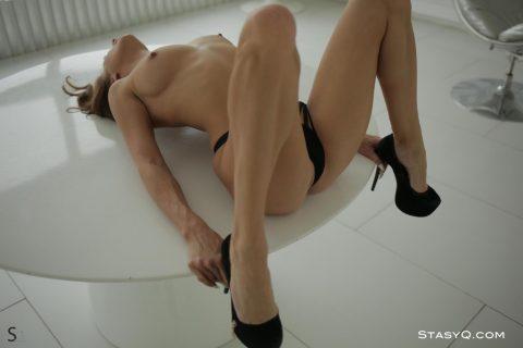 PHOTO   00 208 480x320 - Sandra Long Legs