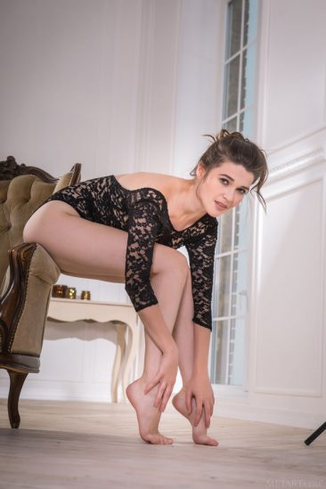 PHOTO   04 23 366x549 - In Lace