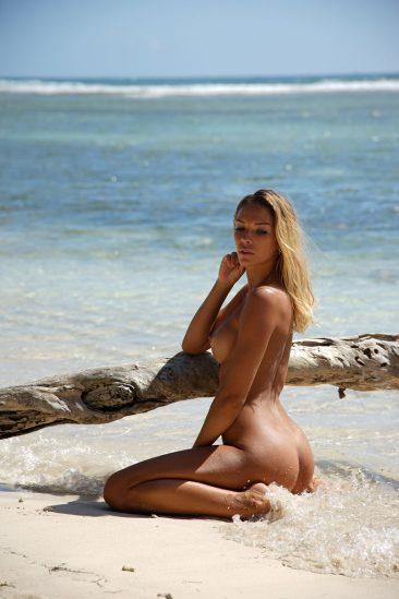 PHOTO | 04 41 366x549 - Amber Sea View