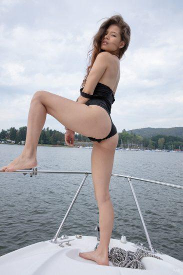 PHOTO | 07 111 366x549 - Private Boat Trip