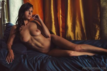 PHOTO | 07 34 366x244 - Busty Suzanna A in the Boudoir