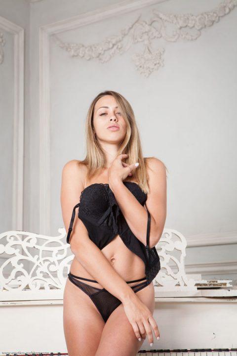PHOTO   00 136 480x720 - Sexy Tanya Fay By The Piano