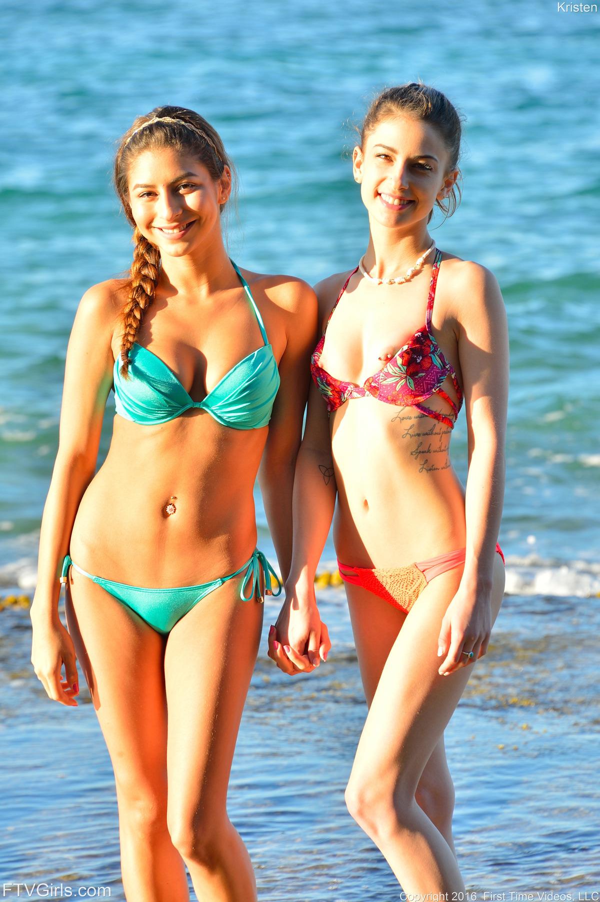 PHOTO | 00 17 - Kristen And Nina Kinky Ocean View